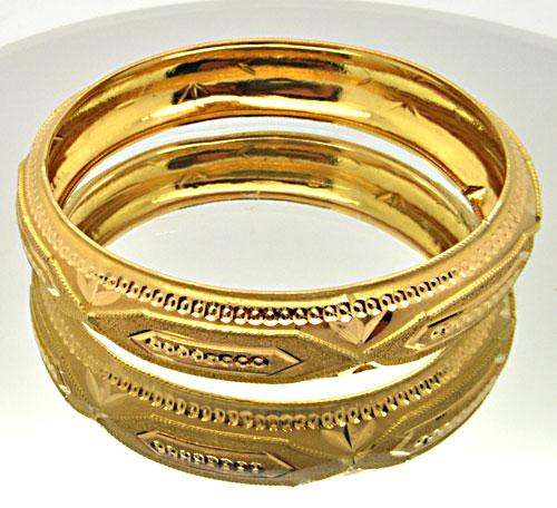 22K YELLOW GOLD LADIES WIDE BANGLE BRACELET