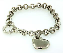 Stylish Rolo Bracelet with Heart Charm