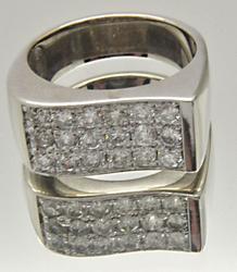 MEN'S 18KT WHITE GOLD DIAMOND RING