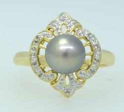 Nice 6.8mm South Sea Pearl Ring w Diamond Accents