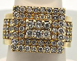 LADIES 14 KT YELLOW GOLD 2.5 CTW PYRAMID DIAMOND RING