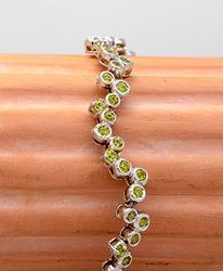 Bezel-Set Peridot 8 Inch Anklet/Bracelet in White Gold