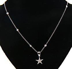 Gorgeous Diamnod Star Pendant Necklace in 18K