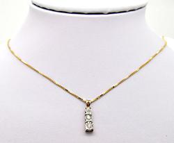 14 KT YELLOW GOLD CHAIN WITH DIAMOND PENDENT.
