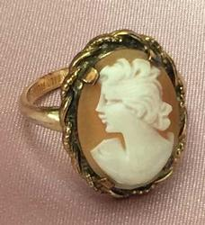 Elegant Antique, Lovely Lady 'Shell Cameo' 10K Gold Filled Ring