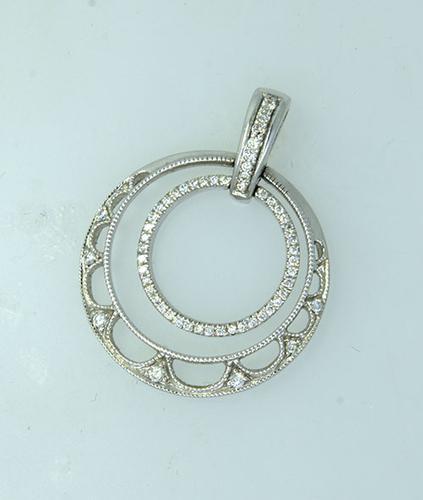 Diamond Circle Pendant in 14kt White Gold