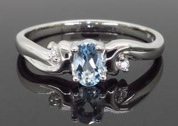 14K White Gold Aquamarine Ring with Diamonds