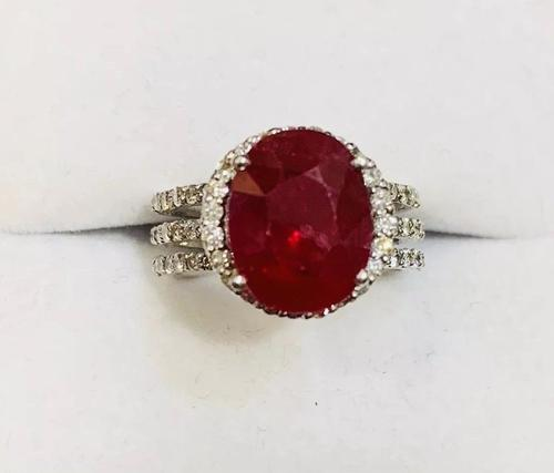 18kt Gold Ruby & Diamond Halo Ring