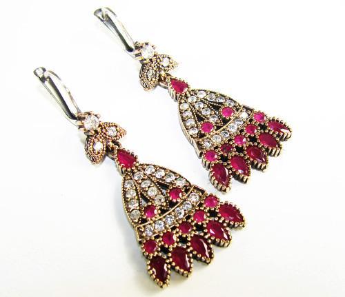Appealing Antique Design Beautiful Gems 925 SS Earrings