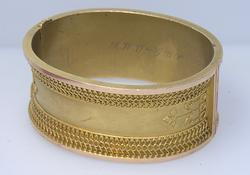 Antique Ornate Wide 14kt Gold Hinged Bracelet
