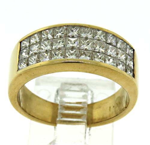Brilliant 18kt Diamond Band Ring