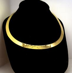 Exquisite 14K Flat Omega Necklace in Gold