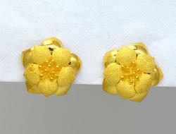 Exciting 24K Fine Gold Flower Earrings
