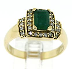 Amazing Emerald and Diamond Halo Ring