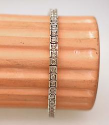 White Gold Bracelet with Diamonds, 7.25in
