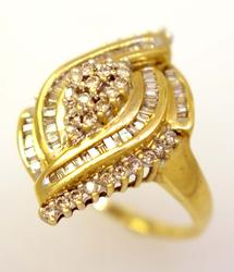 Amazing Diamond Ring in Gold, Size 10