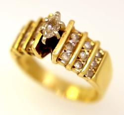 Gorgeous Diamond Ring in Gold, Size 7.5