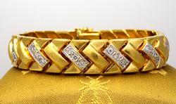 Fantastic 2.0CTW Diamond Bracelet in Gold, 7.25in