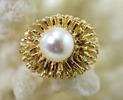 Fascinating and Fun 14K Vintage Pearl Ring