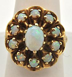 LADIES 14 KT YELLOW GOLD OPAL RING.