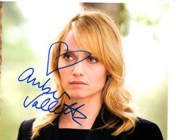 Amber Valletta Autographed Signed 8×10 Photo