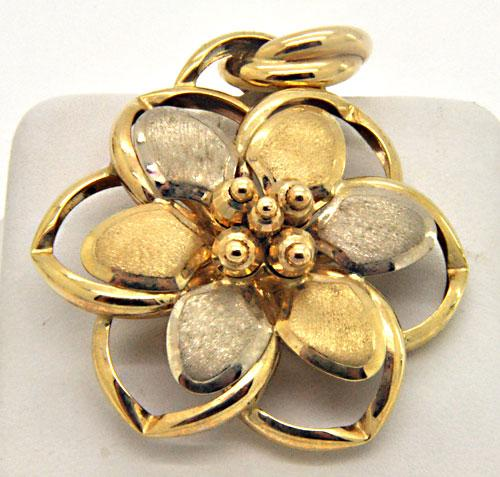 14KT YELLOW & WHITE GOLD LARGE FLORAL DESIGN PENDANT.