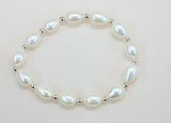 Lustrous Large Oval Pearl Bracelet