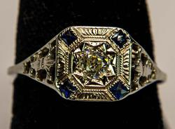 Vintage Diamond & Sapphire Ring in Gold