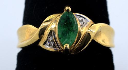 Elegant Emerald Ring in 14KT Yellow Gold