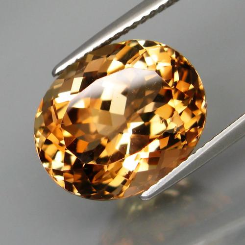 Bright and sparkling 11.25ct golden Topaz