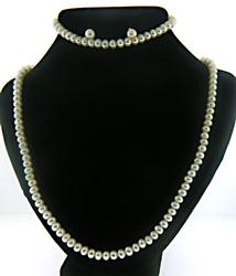 Set of Pearl Necklace w Bracelet and Earrings