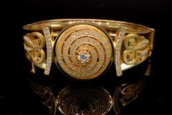 Amazing & Stunning 22KT Bangle Bracelet