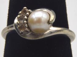 Vintage 10kt Gold Pearl Ring