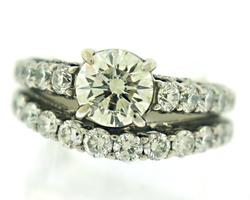 Luxurious 1.63ct Round Brilliant Cut w Matching Band