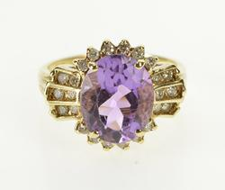 14K Yellow Gold 4.50 Ctw Oval Amethyst Diamond Accent Fashion Ring