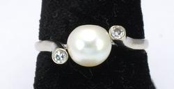 14KT White Gold Pearl Ring with Diamond Accents