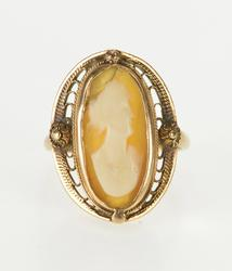 10K Yellow Gold 1970's Carved Shell Cameo Filigree Trim Ring