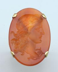 Vintage Large Cameo Ring in Yellow Gold