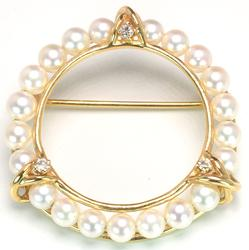 Glamorous Pearl Pin with Diamond Accents