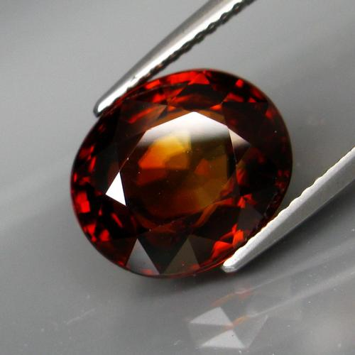 Exquisite 10.41ct unheated Imperial Zircon