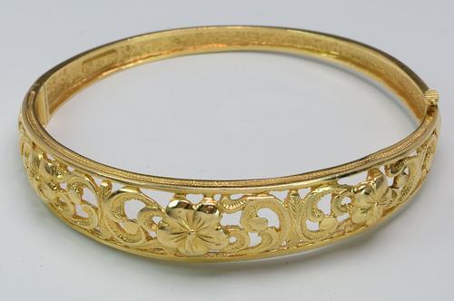 Hibiscus Filigree Bracelet in Gold