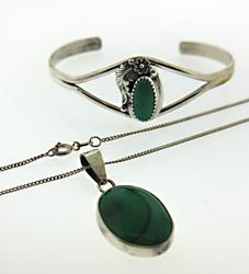 Vintage Sterling Silver Green Stone Necklace w Bangle