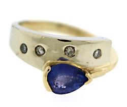 Fabulous Two Tone Tanzanite and Diamond Ring