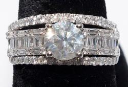 Flashy 3.08CTW Diamond Ring in Platinum