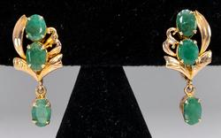 Vintage Dangle Earrings with Emerald in Gold