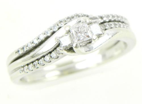 Pretty 10K Multi-Diamond Ring, Size 8