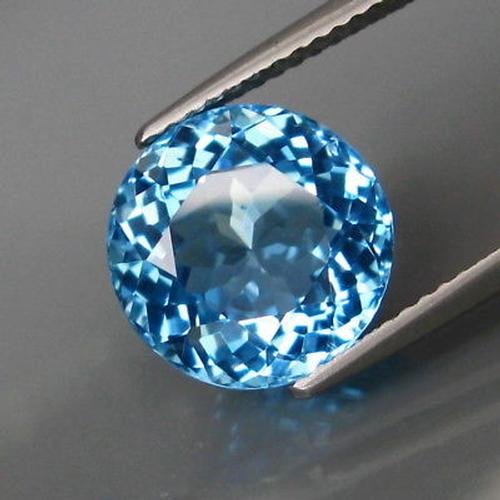 Brilliant 5.59ct Swiss blue Topaz solitaire