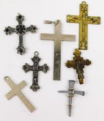 7 Vintage Mixed Metal Crosses