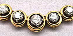 LADIES 9.00 CARAT DIAMOND NECKLACE, 18 KT GOLD.