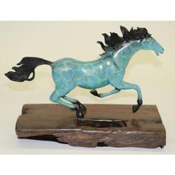 Elegant Thoroughbred Horse Bronze Statue